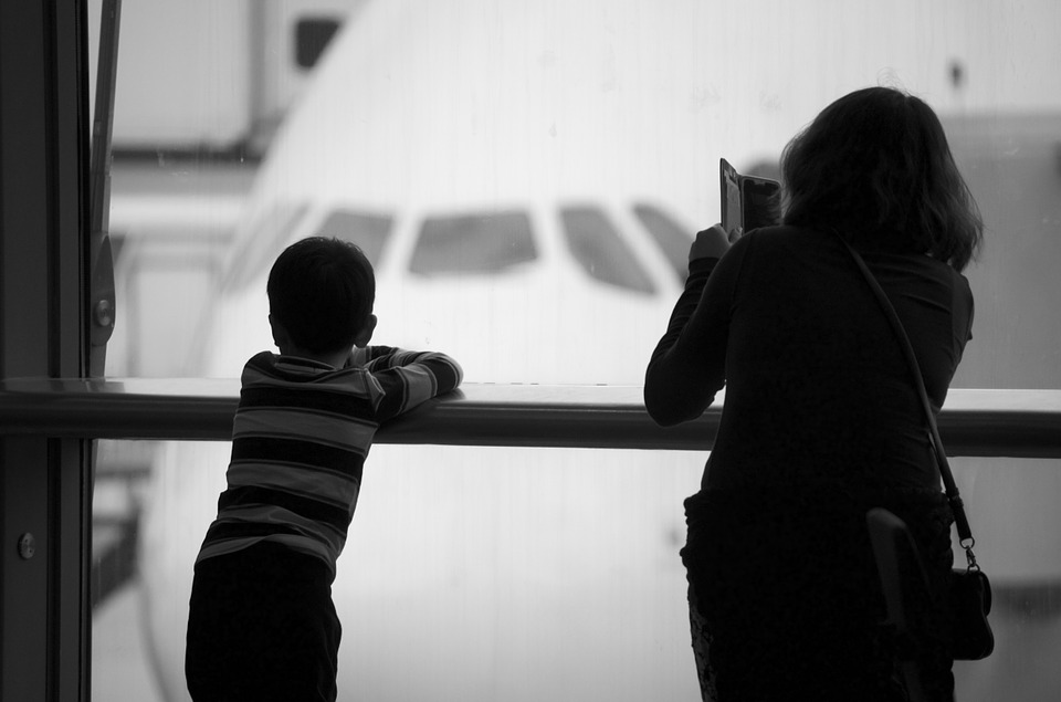 airport-1019056_960_720